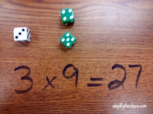 Dice game on desk (2)-001