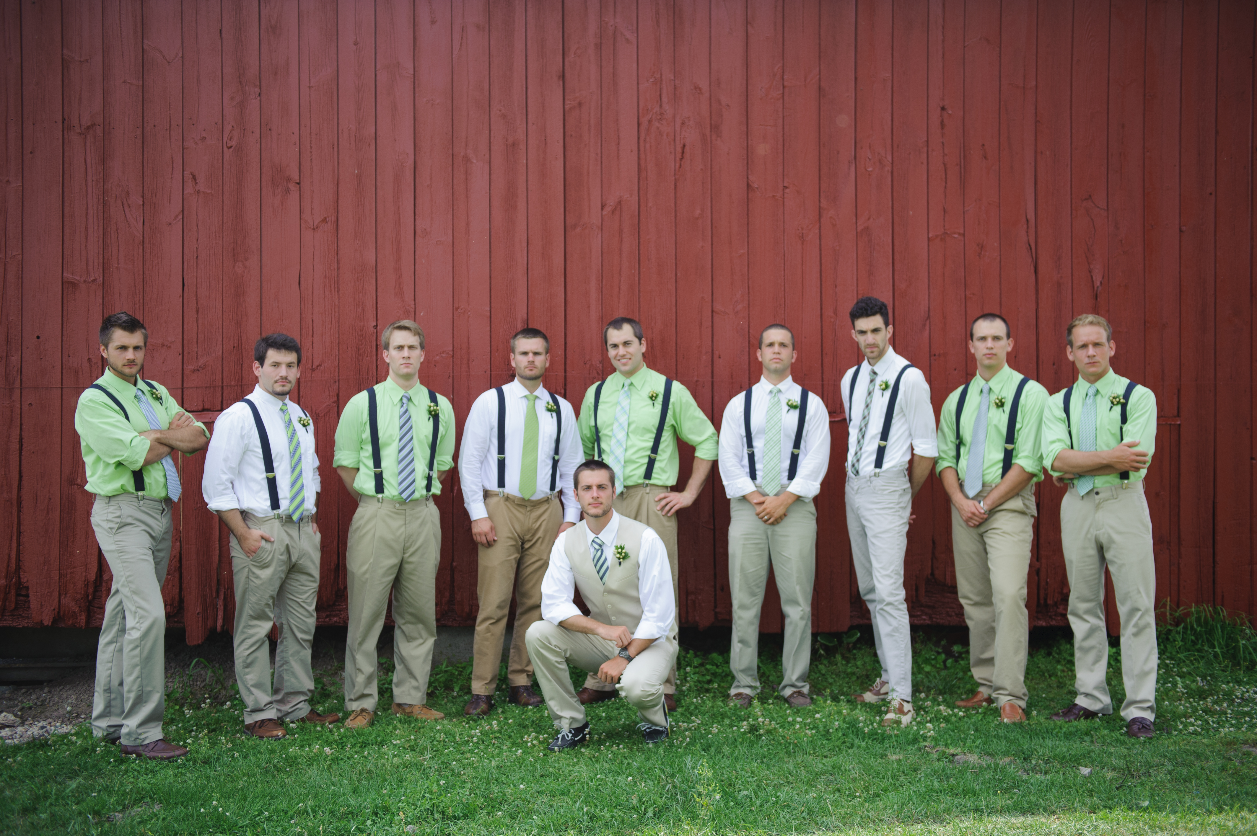 navy and green wedding   simplify the chaos