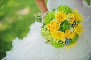 yellow and green wedding bouquet