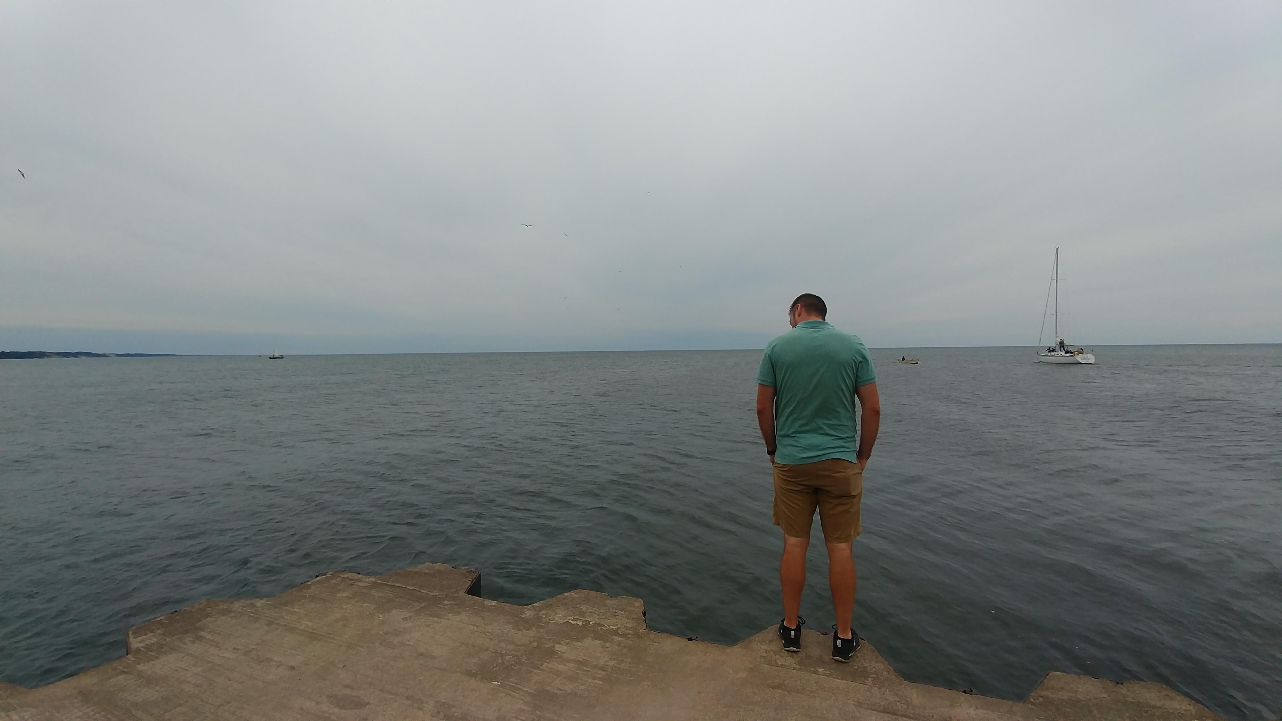 J on edge of pier
