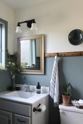 $0 Bathroom Makeover